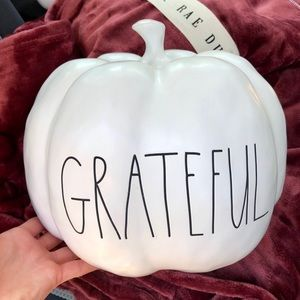 "RAE DUNN ""GRATEFUL"" PUMPKIN LARGE WHITE"